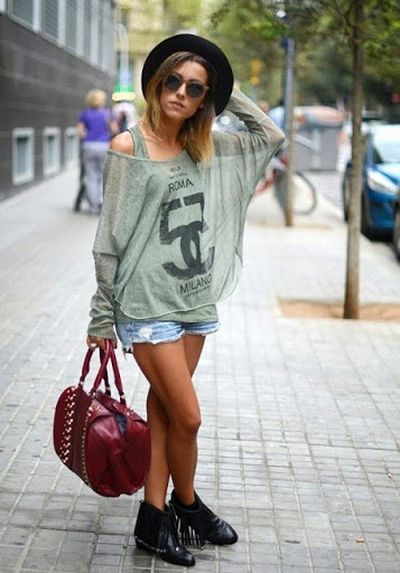 Beautiful and Extraordinary Look For Women Street Fashion Ideas