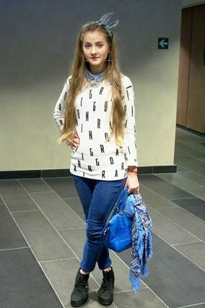Aleksandra Masyuk Good Looking and Stylish Shirt and Jeans Street Fashion Ideas
