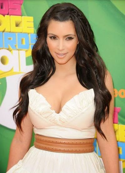 1. Kim Kardashian Lovely and Cute Black Shine Full Extra Look Hair Look with Mini Side Braids Hairstyle