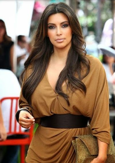 10. Brown Color Evening Dress and Stunning Long Wavy Hair Cut for Kim Kardashian