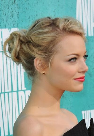 Emma Stone Medium Length Wavy Blone Updo Bun Hairstyle