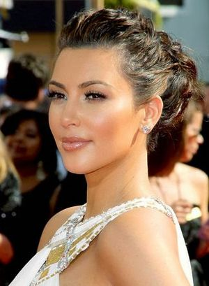 14. Perfect Twisted Headband Updo Hair Ideas