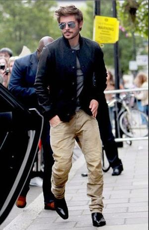 Zac Efron Street Fashion Styles