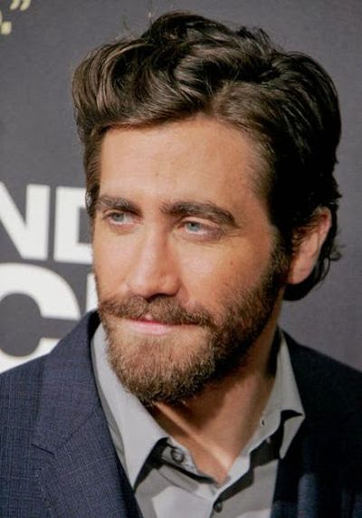 Jake Gyllenhaal Light Brown Colored Short Boxed Beard Hair Look and Styles