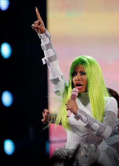 Nicki Minaj Green Hairstyle Ideas