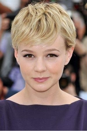 Carey Mulligan Short Hair and Bang Haircut