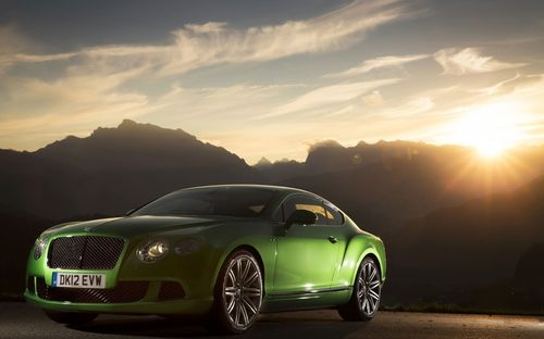 Great Looking 3D Green Car Wallpapers