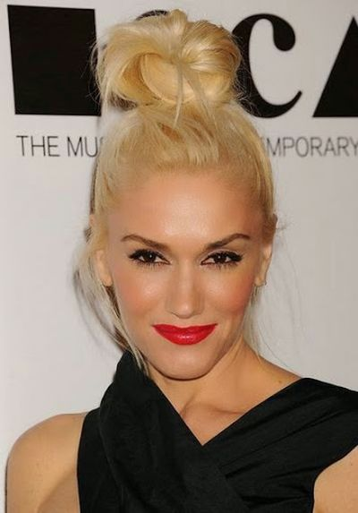 Gwen Stefani Meadium Height Knot Bun Hairstyle