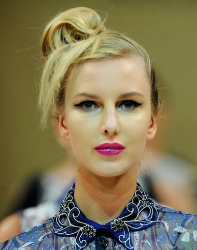 Slicked Blonde Hair with Asudari High Side Swept Bun Hairstyles Ideas for Blue Eyes Girls