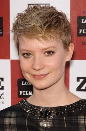 Mia Wasikowska Cool and Lovely Styling Short Hair look