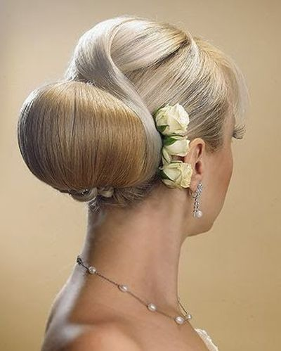 Best Prom Bun Hairstyles Ideas with Flower