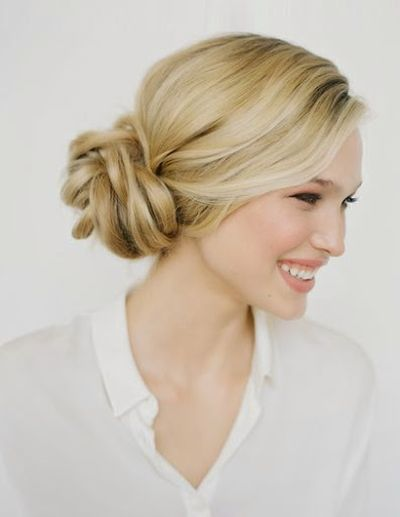 Beautiful Handsome and Fashionable Girls Trendy Knotted Bun Hairstyles