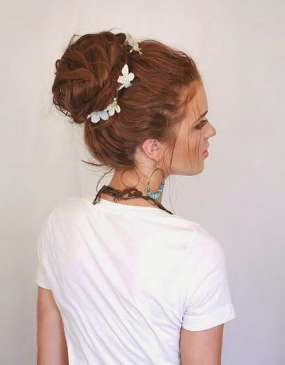 Lovely Perfect Messy Bun Hairstyles Ideas for Party