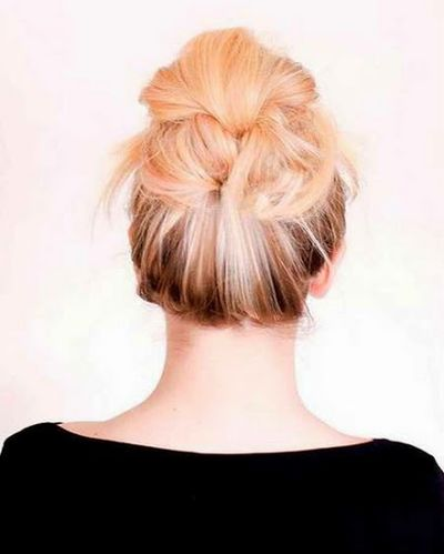 Simple and Easy to Carry Messy Bun Hairstyles Tutorial