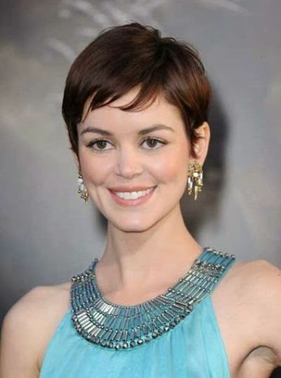 Nora Zehetner Lovely Short Hairstyle with Bengs Hair Look
