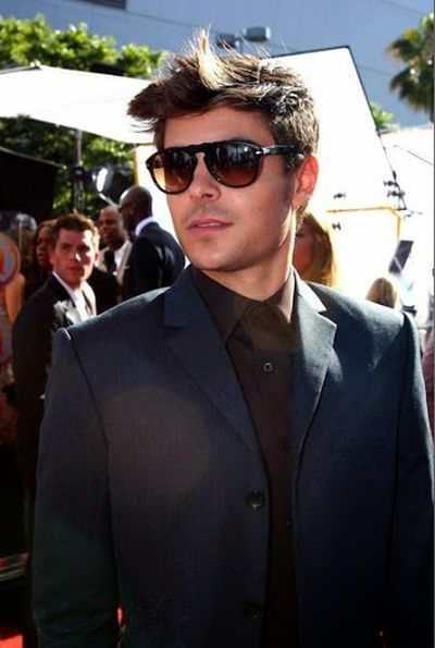 Zac Efron Messy Hairstyle with Aviator Sunglasses Stylish Look