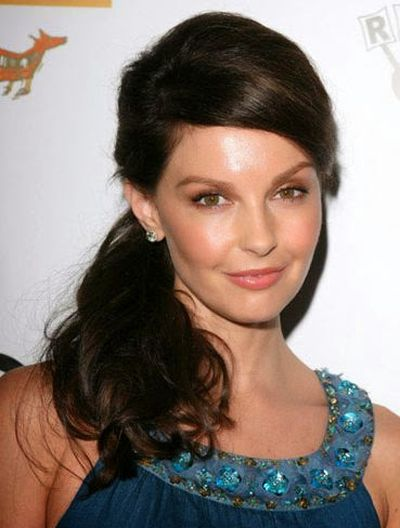 Ashley Judd Ponytail With Wavy Hairstyle