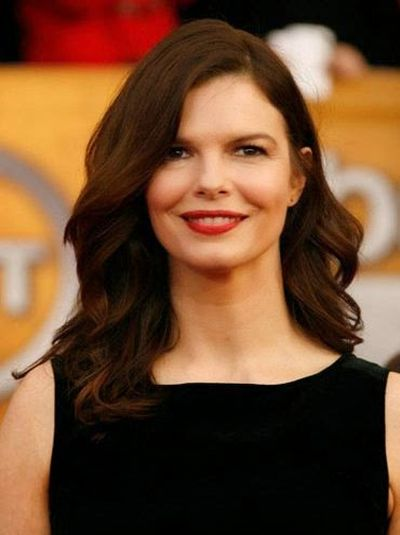 Jeanne Tripplehorn Curls and Long Wavy Hairstyle