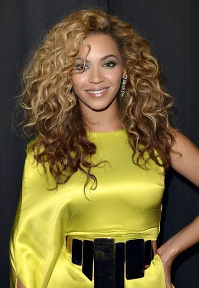 Long Curls Hairstyle of Beyonce Knowles