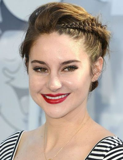Shailene Woodley Braid Hairstyles Pictures at MTV Movie Award Show 2015.