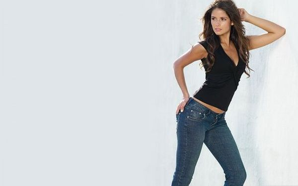 Best Jeans for Curvy Women